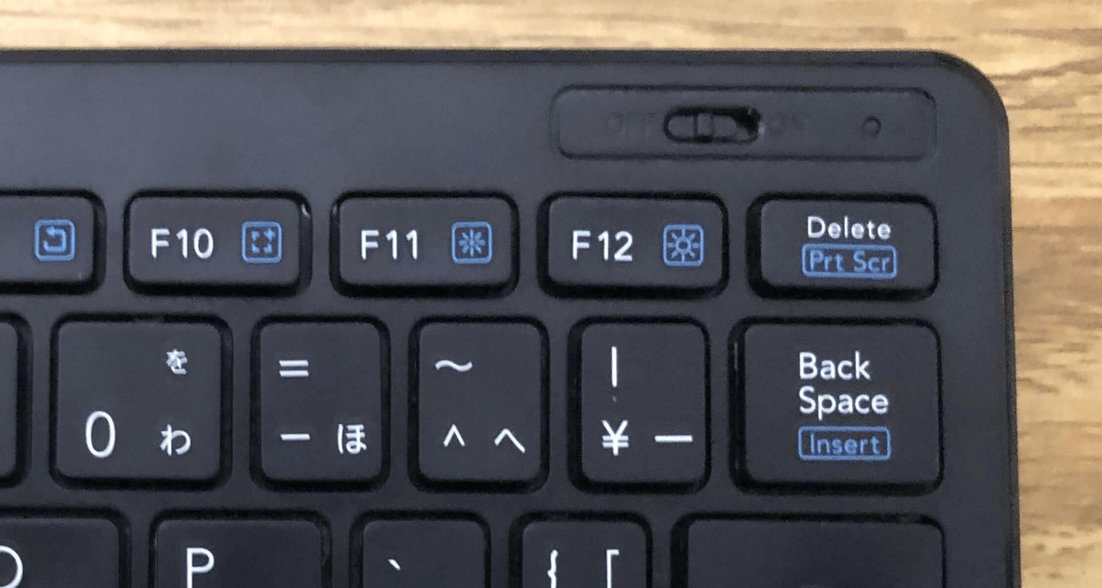 エレコムBluetoothキーボードTK-FBP100のスイッチとLEDランプ