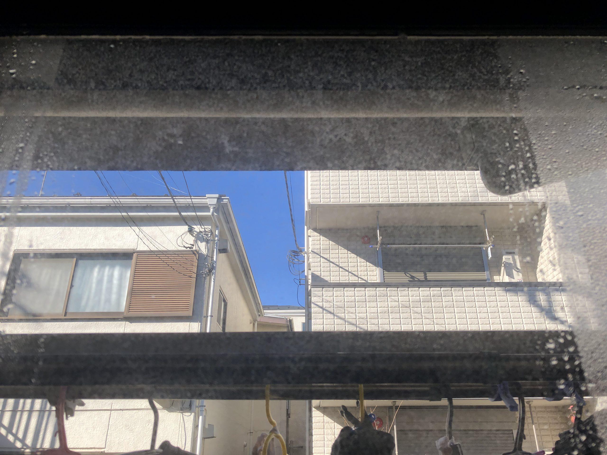 結露取りワイパーを使うとかんたんに窓の結露を取り除ける!