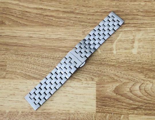 腕時計のベルト(つや消しステンレス)